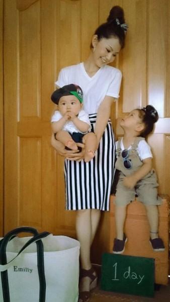 mama  tops/UNIQLOメンズTシャツ bottom/グローバルワーク サンダル/gu kids   tops/UNIQLO オーバーオール/wrangler(古着) baby  tops/bottom 西松屋